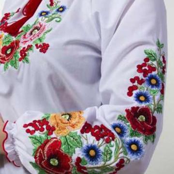 4b7e35d2439305 Заготовки сорочок бісером - основа стильного образу